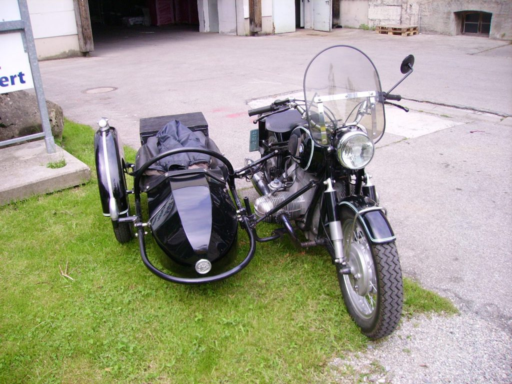 motorcycle-2719991_1920